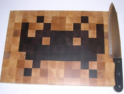 space invaders cutting board Pinboard