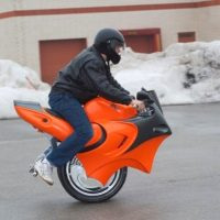 Uno the Gyro Balanced Motorcycle