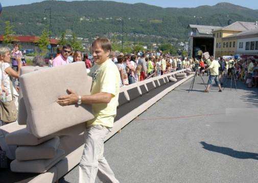 longest sofa 505x359 Pinboard