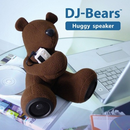Plush Bear Speakers Give Your iPod a Hug