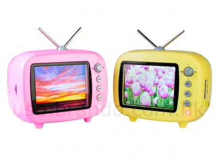 Retro TV Style Digital Picture Frame