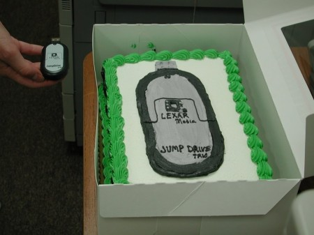 Bakery Mistakenly Makes a USB Flash Drive Cake