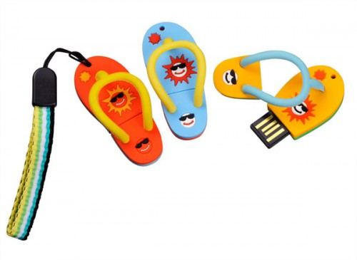 Flip Flop and Surfboard USB Flash Memory is Ready for the Beach
