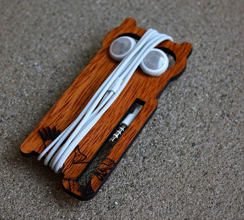 owl earbud holder Pinboard