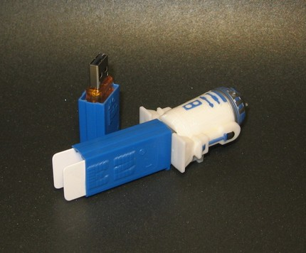 R2D2 Star Wars Pez Dispenser USB Flash Drive