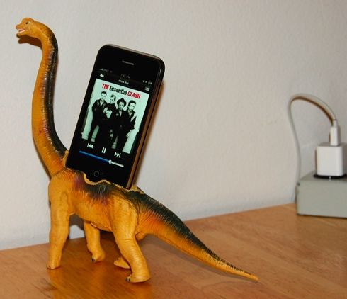 diy dino iphone dock