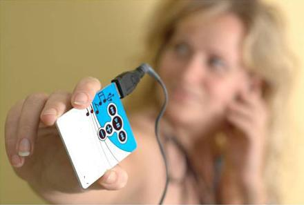 FlatFlash Credit Card Sized MP3 Player is World's Thinnest