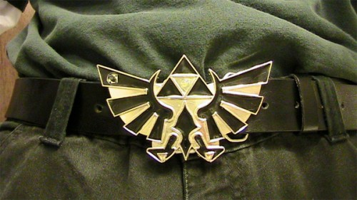 Glowing Zelda Belt Buckle Draws Attention to your Triforce