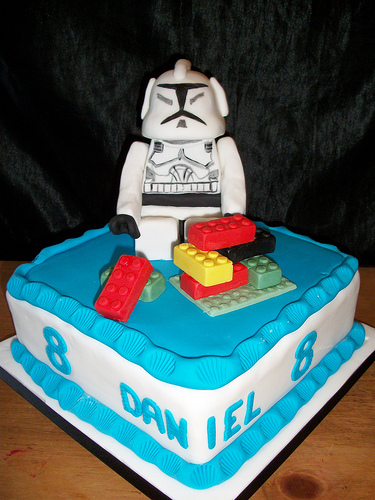 star wars lego cake LEGO Star Wars Stormtrooper Cake