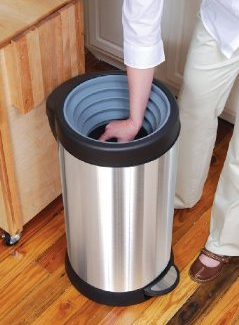 Self-Powered Compacting Trash Can
