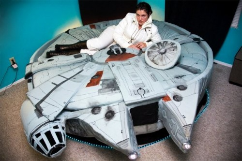 Star Wars Millennium Falcon Bed