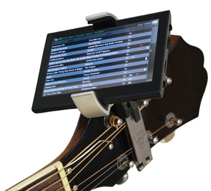 iTab is Like a Teleprompter for a Guitar Neck