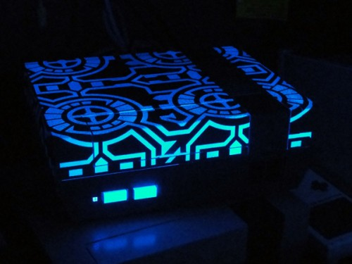 glowing-tron-nes-mod-500x375.jpg
