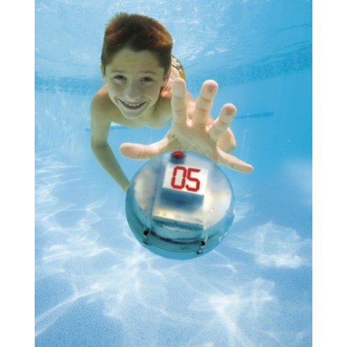 Be an Underwater MacGruber with Swimways Submergency