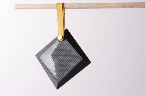 expanding solar lamp2 500x333 Expanding Solar Lantern