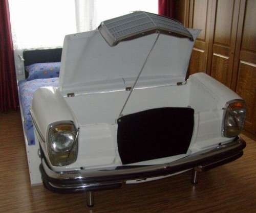 mercedes bed hood 500x417 Mercedes Bed is the Racing Car Bed for Adults