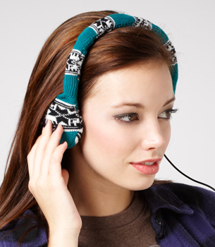 knit headphones in use Neff Knitted Headphones