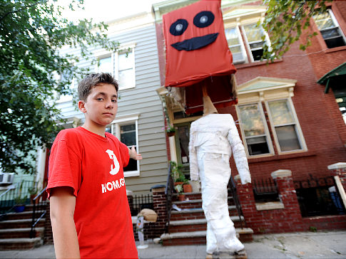 Teen Builds World's Largest Bobblehead
