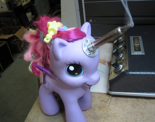 my little pony soldering iron 500x395 Pinboard