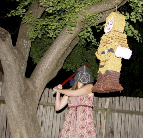 Luke Skywalker vs. Darth Vader Piñata