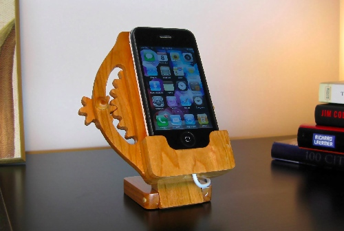 Kinetic Wood Gears Rotating iPhone Dock