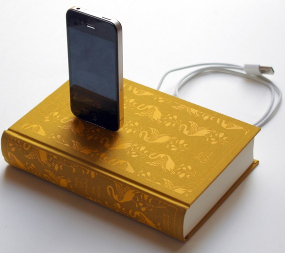 Hardcover Classic Books iPhone Docks