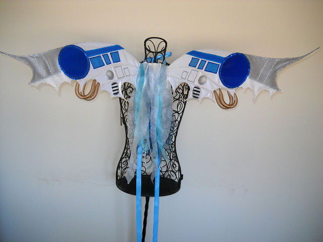 R2D2 Fairy Wings: Geek Rave at the Cantina!