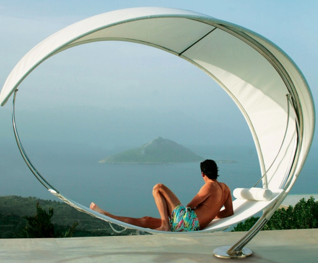petiole hammock 12 Most Outrageous Gifts for the 1%