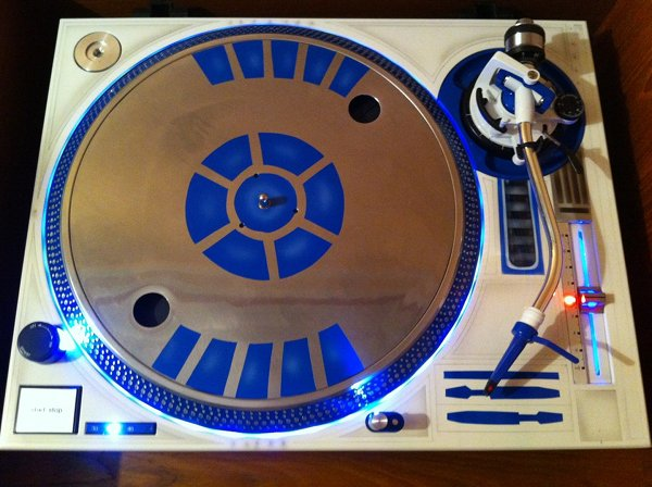 r2 d2 turntable Pinboard