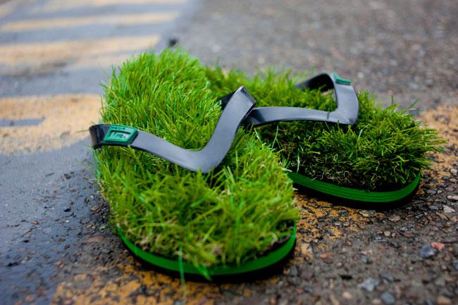 Kusa Grass Topped Flip Flops