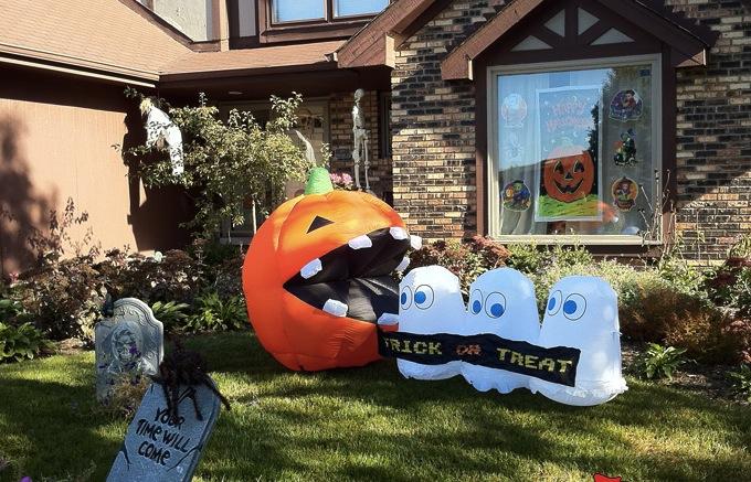 Inflatable Pac Man Halloween Decoration Craziest Gadgets