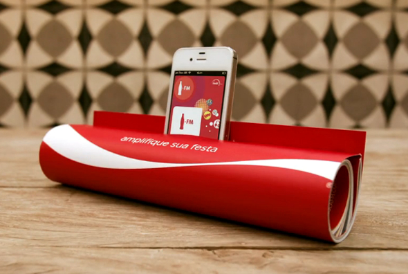 Coke Ad Turns Magazine into Amplifying iPod Dock