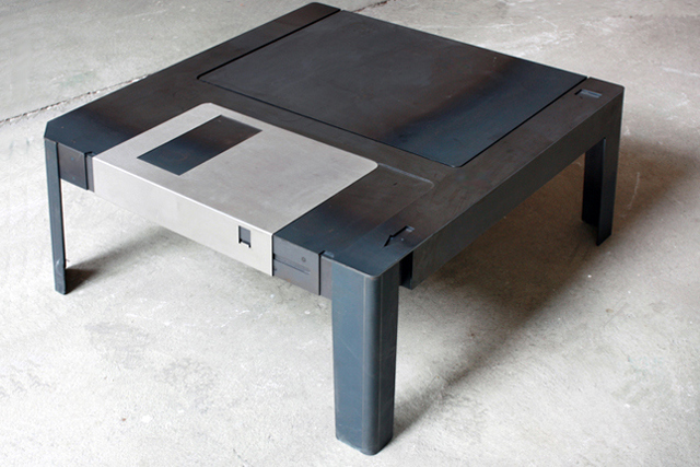 floppy disk table Pinboard