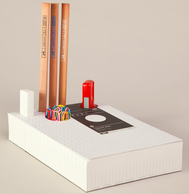 Memo Pad Organizer Holds Supplies in the Paper