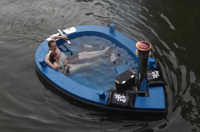 Rc Duck Tour Boat Is Amphibious Craziest Gadgets