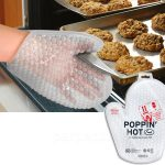 Poppin' Hot Bubble Wrap Oven Mitt