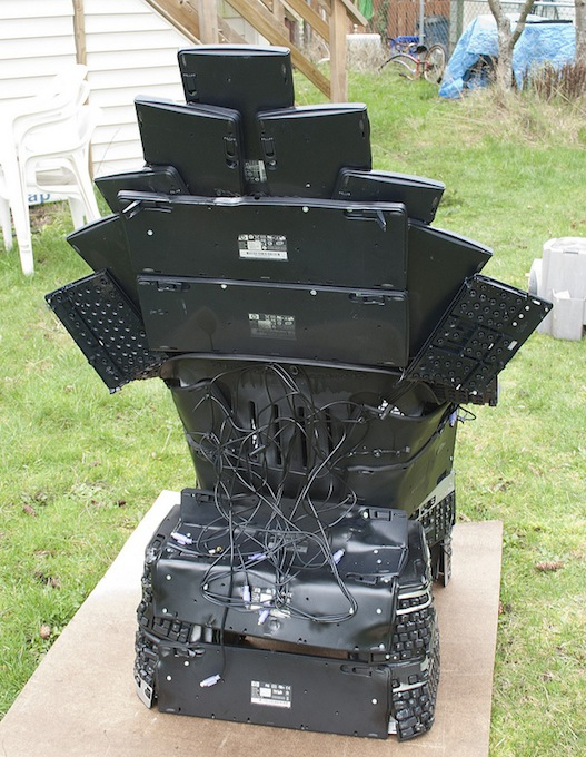 keyboard throne back Throne of Nerds