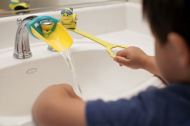 Make Your Faucet Kid-Friendly with an Aqueduck