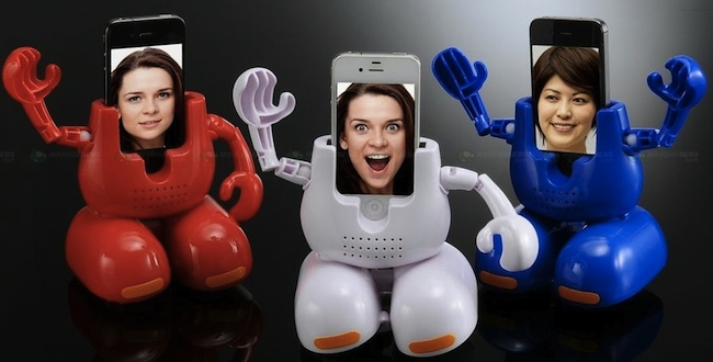 Dancing Robot iPhone Stand
