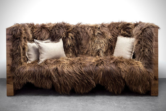 Schön ... Chewbacca Inspired Sofa Just Needs Bandolier Pillows
