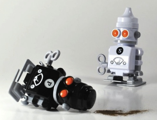 Wind Up Robot Salt and Pepper Shakers