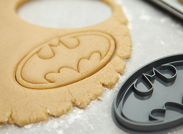 batman cookie cutter in action