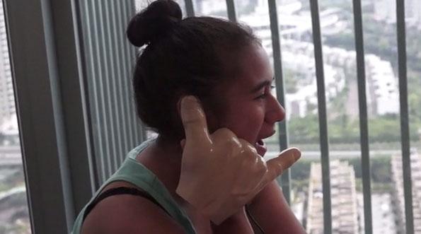 Handiheadset: It's a Giant Hand