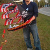 pirate ship kite guy