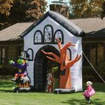 Howling Inflatable Haunted House